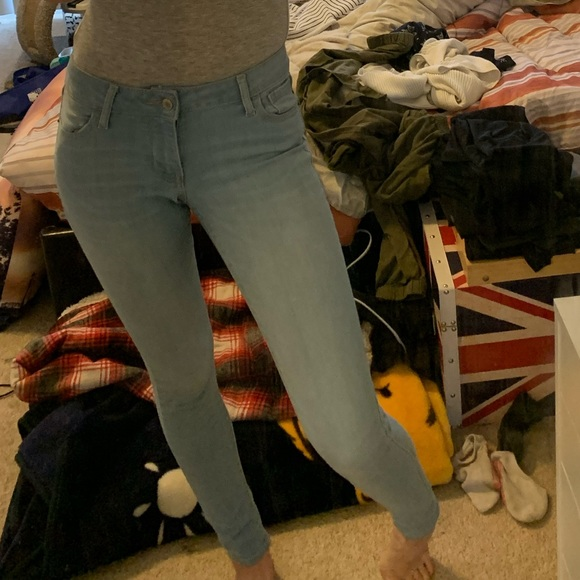 💕Old Navy light blue mid rise jeans